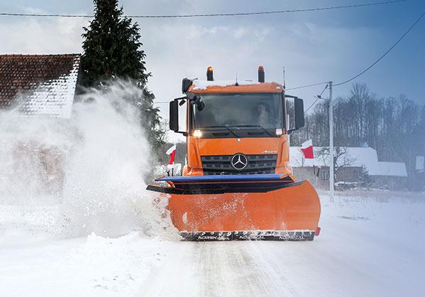 Norskal RC50 snow plough blade on gritter